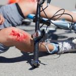 Fahrradunfall ohne Helm – zahlt die Versicherung?