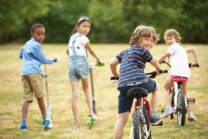 So bringen Sie Ihrem Kind das Radfahren bei